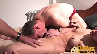 Threesome wife cumshot