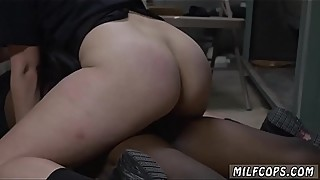 Sexy amateur housewife-a domestic disturbance call