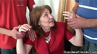 Meeting in office ends in fucking threesome