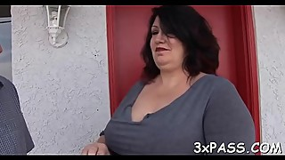 Chubby bitch gets her clean shaved pussy to be nailed in camera