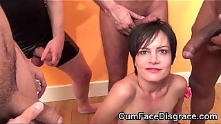 Cute brunette housewife is going to be the mouth